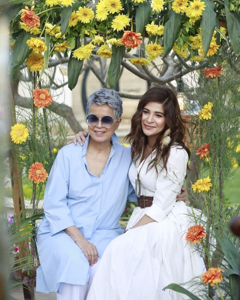 Maheen Khan and Ayesha Omar