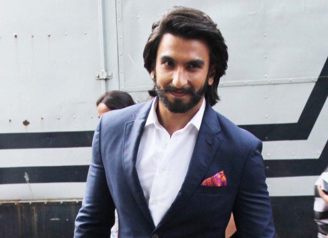 Ranveer Singh uncovers his comic symbol for Simmba ...