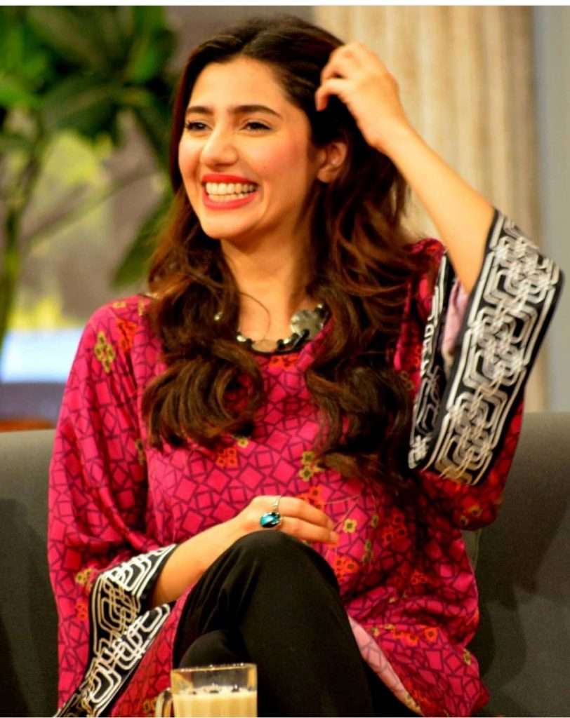 Campaign against violence Mahira became part of it ...