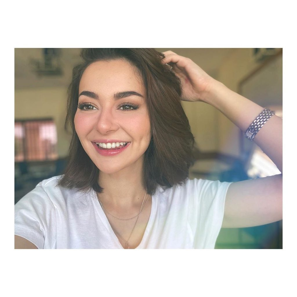 Hania Amir makes us fall in love with cover songs