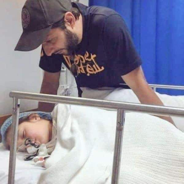 Shahid Afridi Returned To Pakistan To Attend His Ill Daughter 71